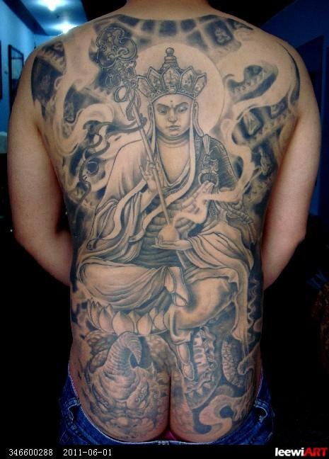 纹身 满背 地藏王菩萨纹身   地藏王纹身 满背地藏菩萨纹身 高清图片